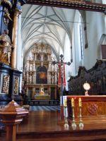 Bazylika św Mikołaja widok na ołtarz główny